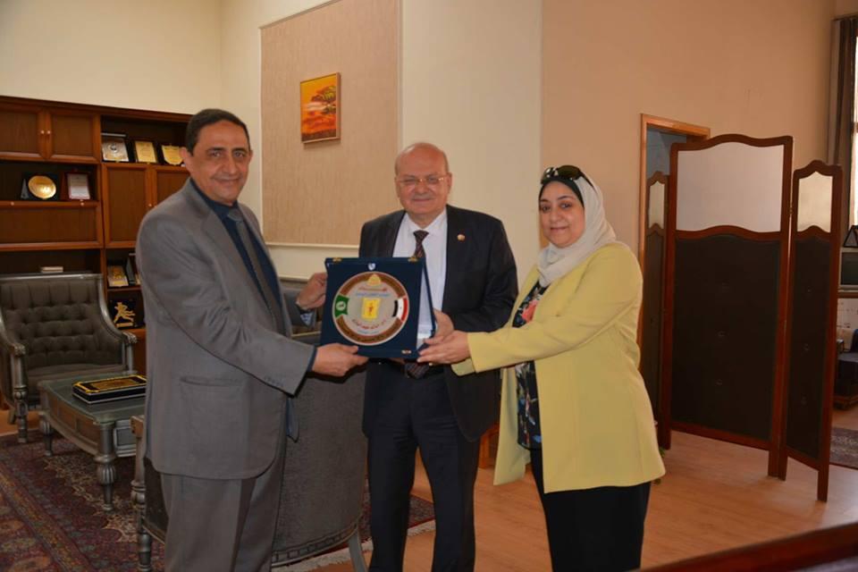 المؤتمر العلمي السابع لصيدلة الزقازيق يكرم د. خالد عبد الباري رئيس الجامعة