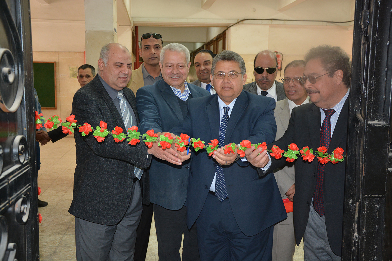 Dr./ Ashraf Al-Shehhi, President of Zagazig University opens a Plasma Laboratory at Faculty of Engineering