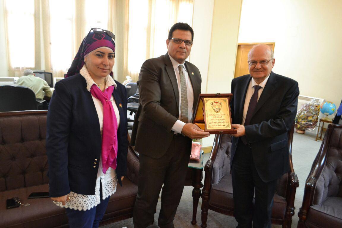 Leaders Foundation honors Dr. Khaled Abd El Bary, president of Zagazig University