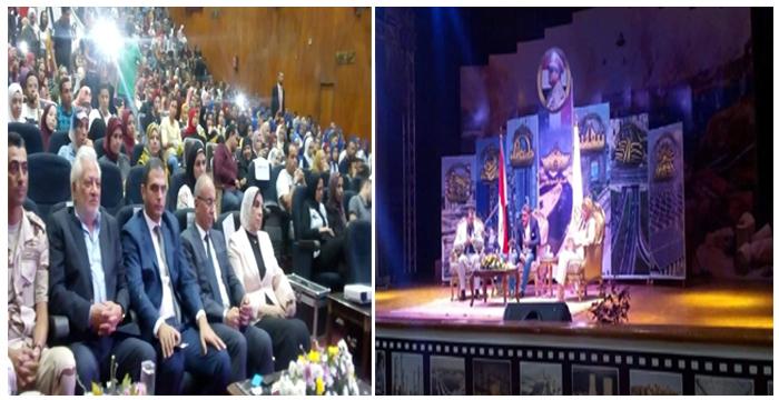 د. معتز عبدالفتاح يلتقي بطلاب جامعة الزقازيق