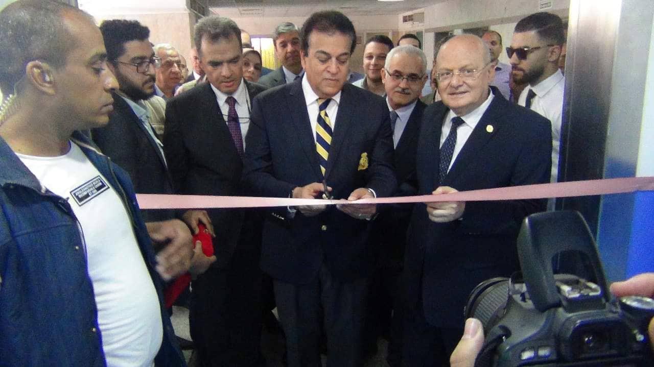 وزير التعليم العالي يفتتح المبنى الأكاديمى الجديد بكلية الطب و ١٣ غرفة للعمليات بمشتشفى الجراحة الجديد بجامعة الزقازيق