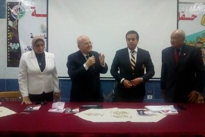 وزير التعليم العالي يلتقي بطلاب معسكر إعداد القادة بجامعة الزقازيق