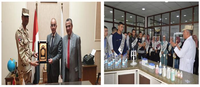 وفد طلاب جامعة الزقازيق في زيارة ميدانية لمعامل إدارة الحرب الكيميائية بالقاهرة